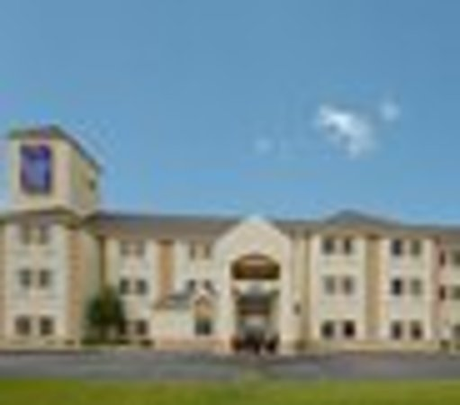 Sleep Inn & Suites, Green Bay Airport: Hotel exterior