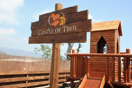 Santa Marina Retreat: Castle of Troy