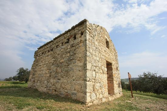 Santa Marina Retreat: Ayia Marina 500 year old Venetian Chapel