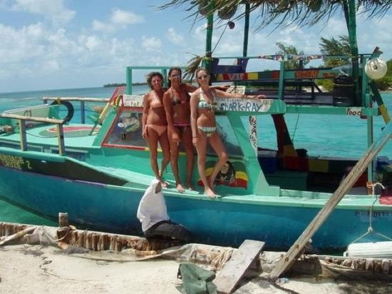 Caye Caulker, Belize: going snorkeling on Creeks boat. we are at the split.