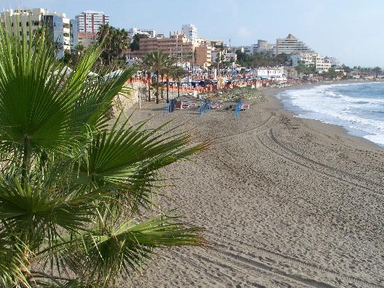 Las Arenas Hotel: Beach at Benalmadena