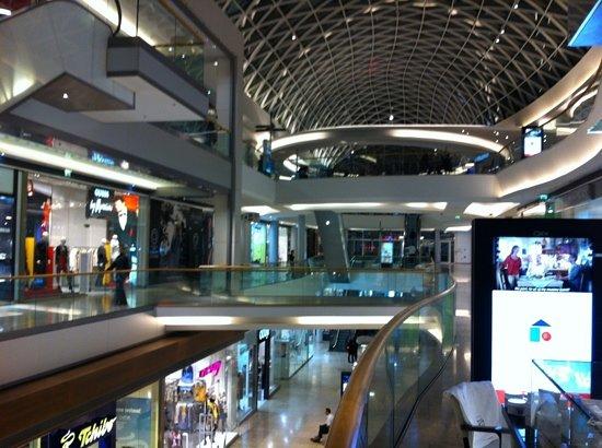 Najlepsie obchodne centrum v Bratislave - recenzia zariadenia Eurovea  Galleria e6f0b8a2f46