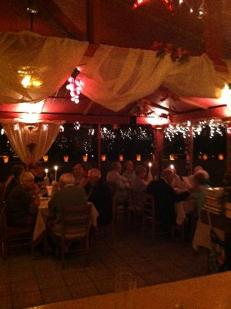 Melio's Trattoria: melios at night