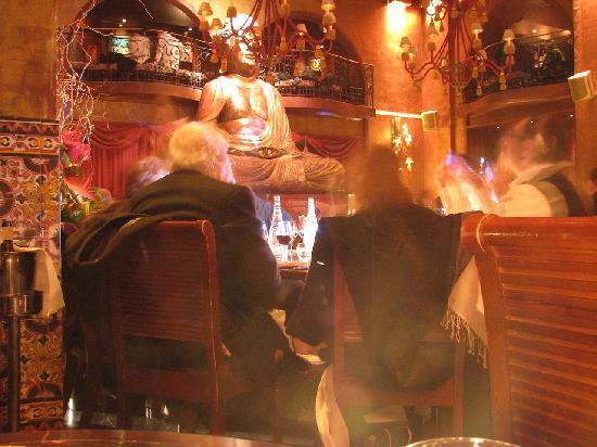 Buddha Bar: La statua di Buddha