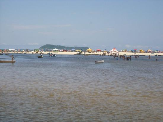 Guarda do Embau Beach : ...