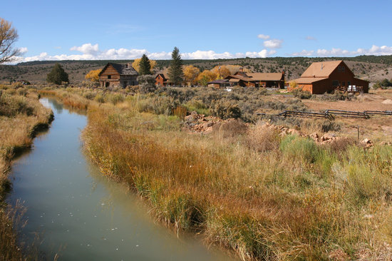 Cottonwood Meadow Lodge: Looking southwest, Oct 2010