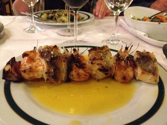 Jardim Visconde da Luz : Prawn and Monkfish kebab... hmmm :)
