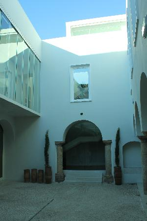 Hotel Viento10: patio