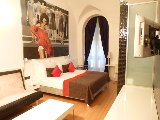 Bohem Art Hotel: bed