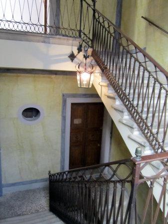 Stairway up to Casa de Uscoli