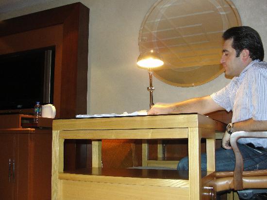 โรงแรมแมนดาริน โอเรียนทอล ฮ่องกง: Study Desk