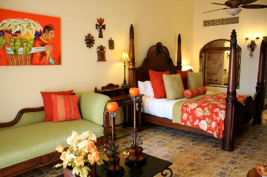 Hacienda Encantada Resort & Spa: Hacienda Decor Suites