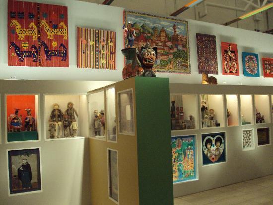 Museum of International Folk Art: folk art