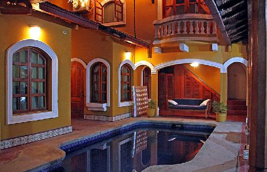 Casa del Agua: pool deck and double rooms