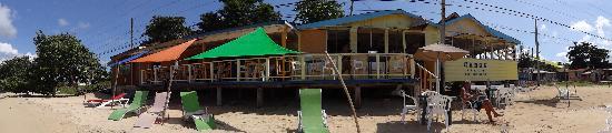 Canoe Bar: Canoe's Bar & Grill