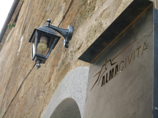 Alma Civita : l'ingresso principale