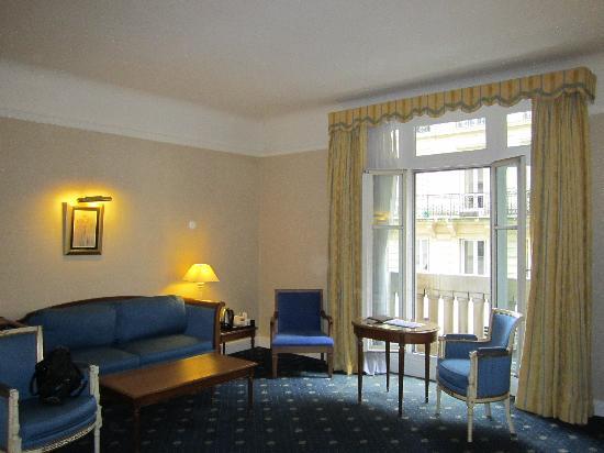 โซฟิเทล ปารีส อาร์ค เดอ ทริออมฟ์: Suite view 2