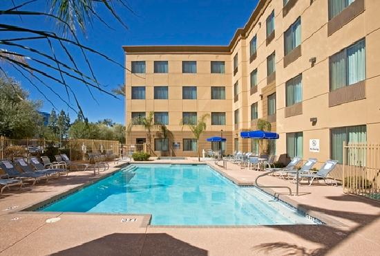 Hampton Inn Phoenix-Airport North: Outdoor Pool & Whirlpool