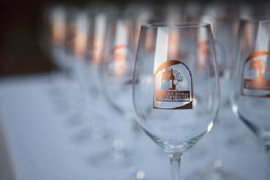 Madera Wine Trail: Passport Wine Glass