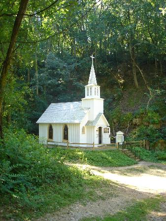 Heritage Canyon: Canyon Church