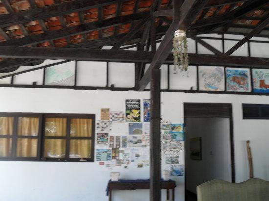 Casa Garrobo Guesthouse: Message board and guest murals