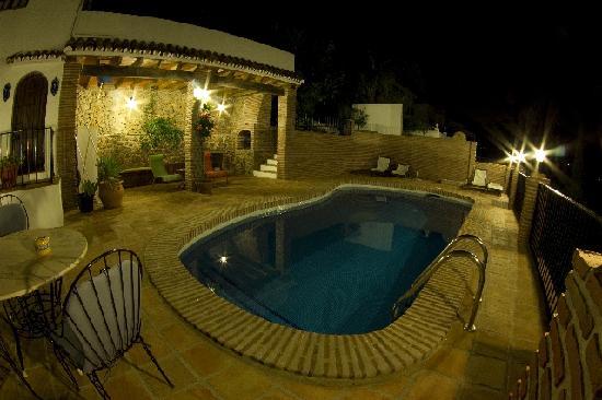 Casa Caleta: la piscina di notte