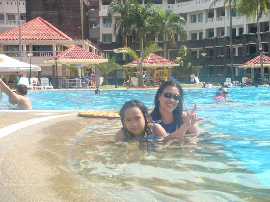 At The Pool Picture Of Canyon Cove Hotel Spa Nasugbu Tripadvisor