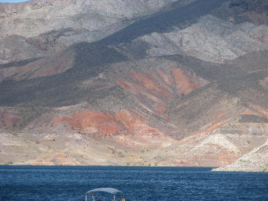 Look Tours : Lake Mead was beautiful