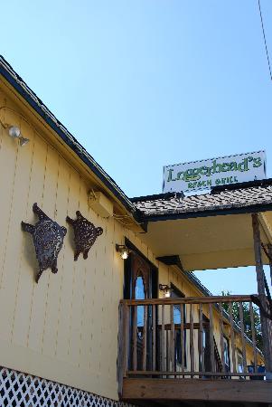 Loggerhead's Beach Grill: Restaurant Exterior
