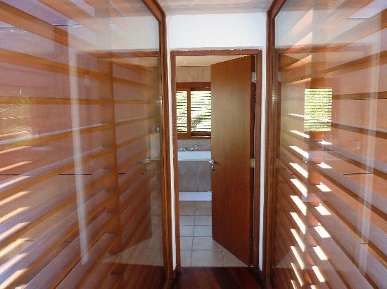 Lapostolle Residence Restaurant : Cabernet hallway btwn bed & bath