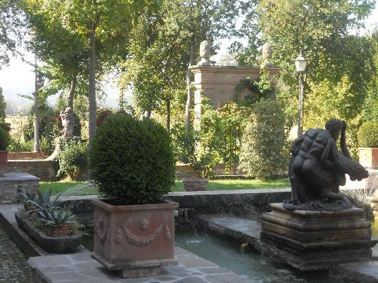 Podere Palazzo Illica : Gardens