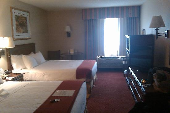 Best Western Oglesby Inn: The beds and pillows are top shelf! 8)