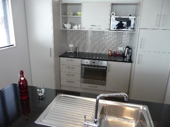 Focus Motel & Executive Suites: Kitchen - Penthouse