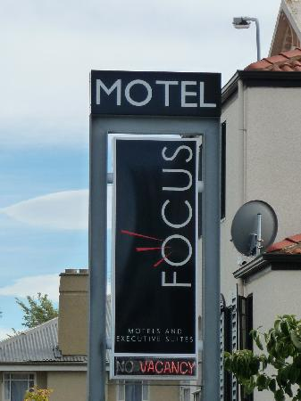 Focus Motel & Executive Suites: Sign