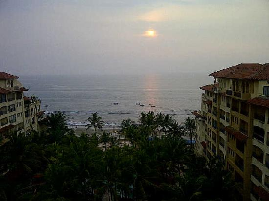 Serang, Indonesia: sunset view from our resort's room