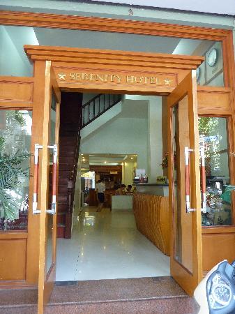 Hanoi Serenity Hotel: Hotel entrance