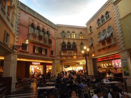 Casino at Venetian Macao : Venetian food court