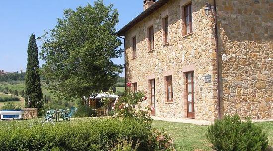 Agriturismo Casa Andrei Nuovo: Giardino dove trascorrere li vostro soggiorno in armonia con la natura