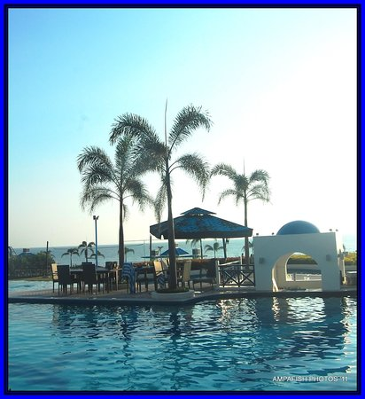 Thunderbird Resorts Poro Point: the pool