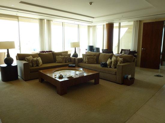 Raffles Dubai: Our suite lounge!