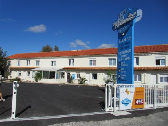 Hotel Les Atlantes: Parking fermé