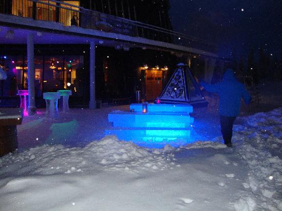Lapland Hotel Saaga: The ice bar!
