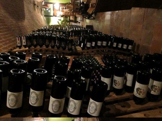 Canale, Ιταλία: the cellar