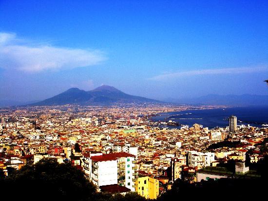 Posillipo: Il Vesuvio come sfondo di tutte le vedute