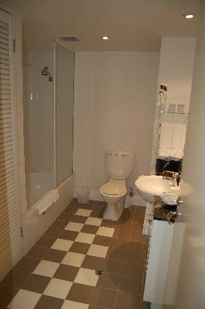 Adina Apartment Hotel South Yarra Melbourne: Bathroom