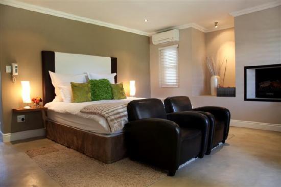 Plumwood Inn: New luxury room in villa
