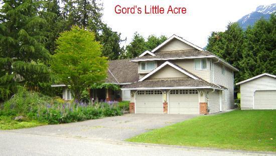 Gord's Little Acre B & B