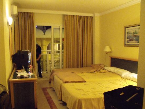Las Arenas Hotel : our room in hotel