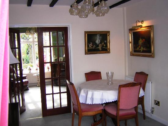 Highfield Farm Guest House: dinning room