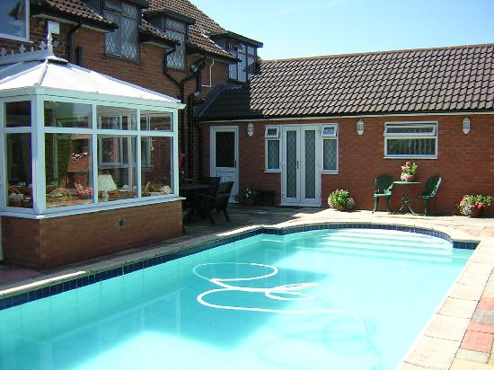 Highfield farm guest house sutton coldfield b b reviews photos price comparison tripadvisor Swimming pool sutton coldfield